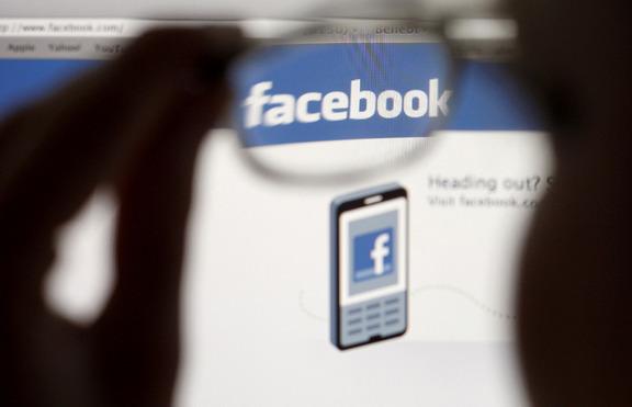 Pais supervisionam mais os meninos do que as meninas no FB